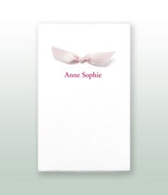 Anne Sophie Oud Hollands wit geboortekaartje met satijn vlinderstrikje voorvertoon
