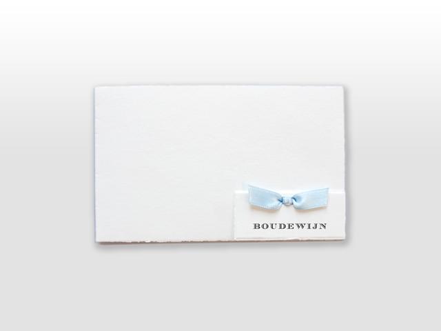 Boudewijn Oud Hollands wit geboortekaartje met met los naamkaartje en satijnen vlinderstrikje