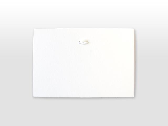 Hendrikje Ambachtelijk wit geboortekaartje met satijn vlinderstrikje achterzijde