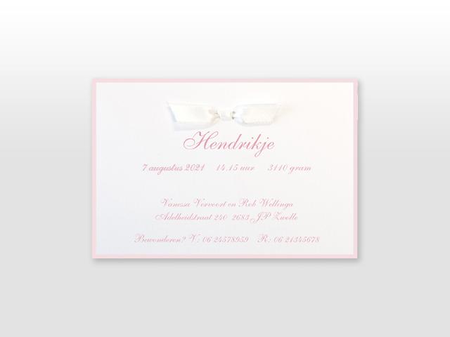 Hendrikje Ambachtelijk wit geboortekaartje met satijn vlinderstrikje